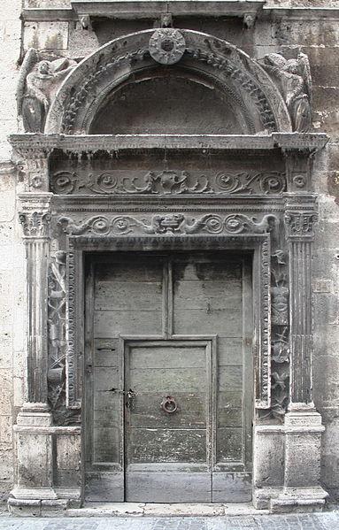 Palazzo_Bonaparte_portale_01