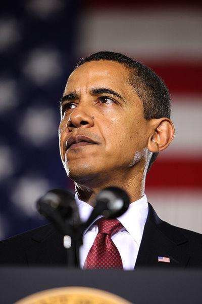 400px-Barack_Obama_speaks_at_Camp_Lejeune_2-27-09_3