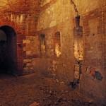 Un tratto della lunga galleria perimetrale di Forte Scrima